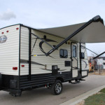 17-Thor-Viking-Ultra-Lite-Travel-Trailer-Rental-Ext-02