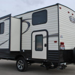 17-Thor-Viking-Ultra-Lite-Travel-Trailer-Rental-Ext-03