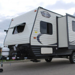 17-Thor-Viking-Ultra-Lite-Travel-Trailer-Rental-Ext-04