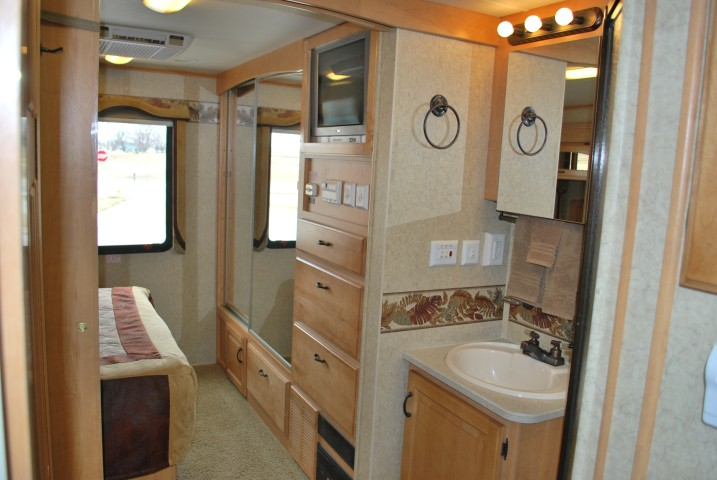 Jayco Seneca HD Super C Motorhome Rental by Eagle, Idaho Int 10