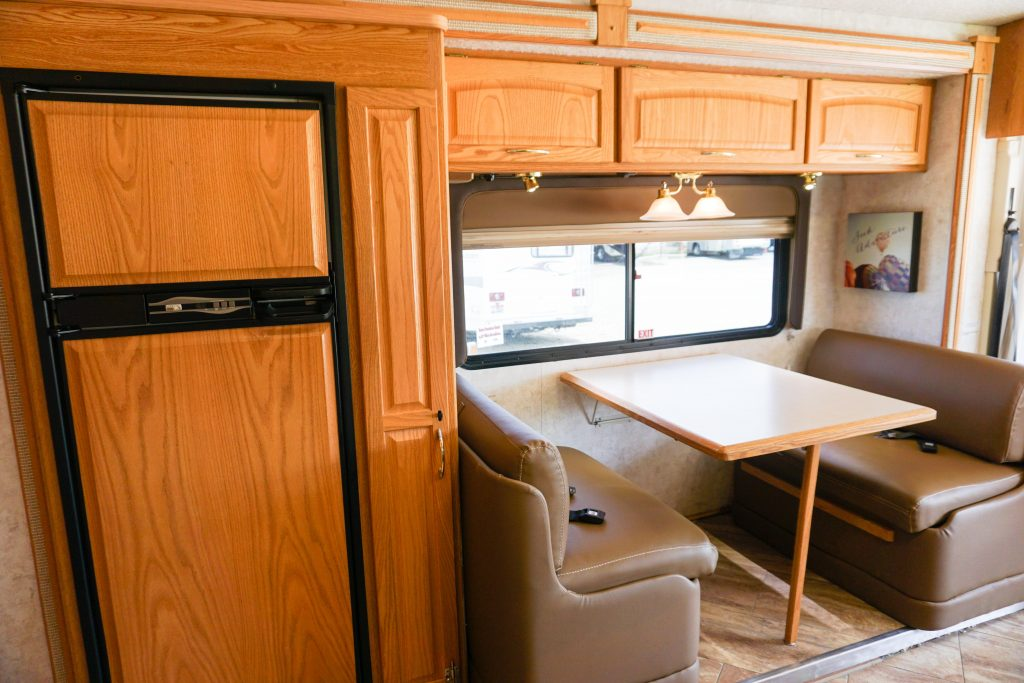 32-Itasca-Meridian-Luxury-RV-Rental-11