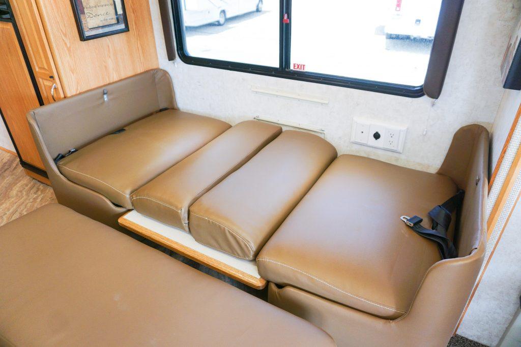 32-Itasca-Meridian-Luxury-RV-Rental-24