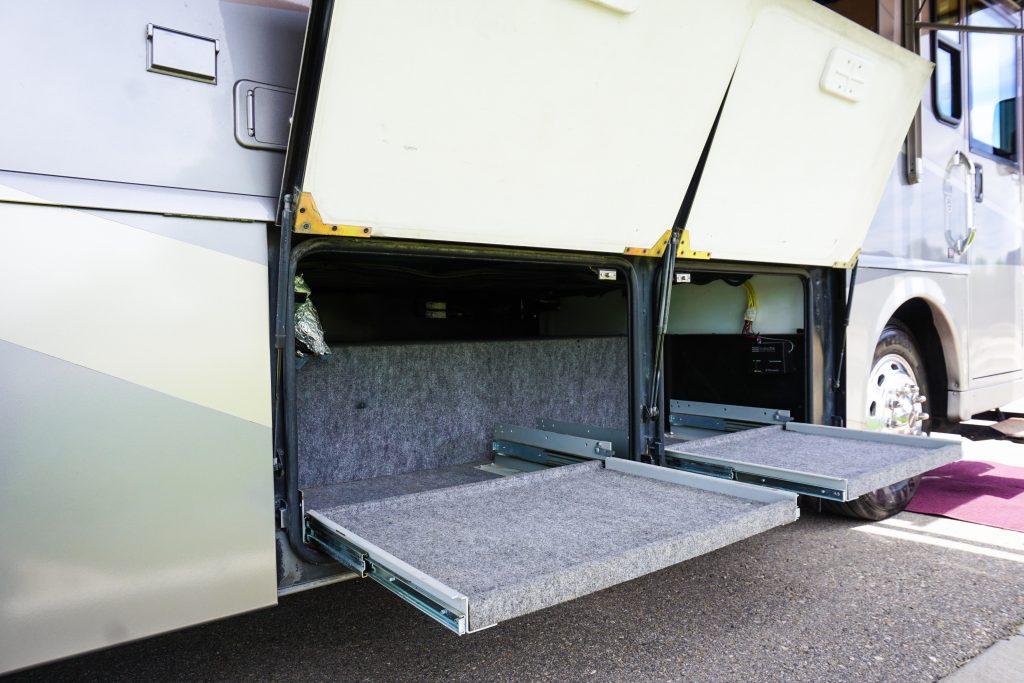 32-Itasca-Meridian-Luxury-RV-Rental-5