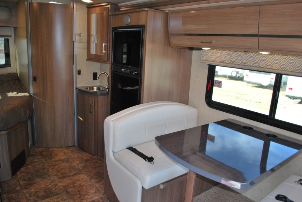 Efficient Itasca Navion Diesel 24 Class B Rv Rental