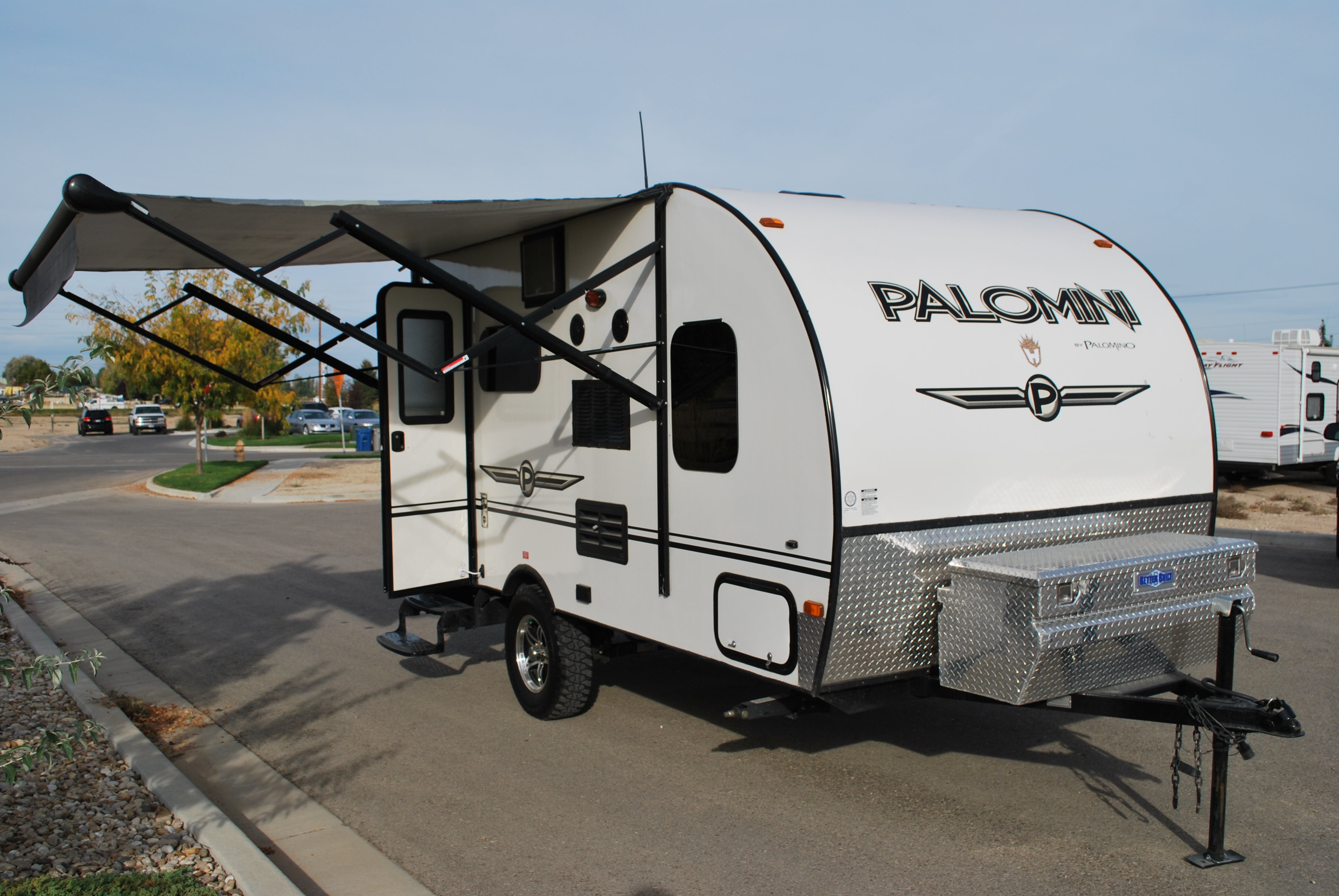 15′ Palomino PaloMini Lite Travel Trailer Rental