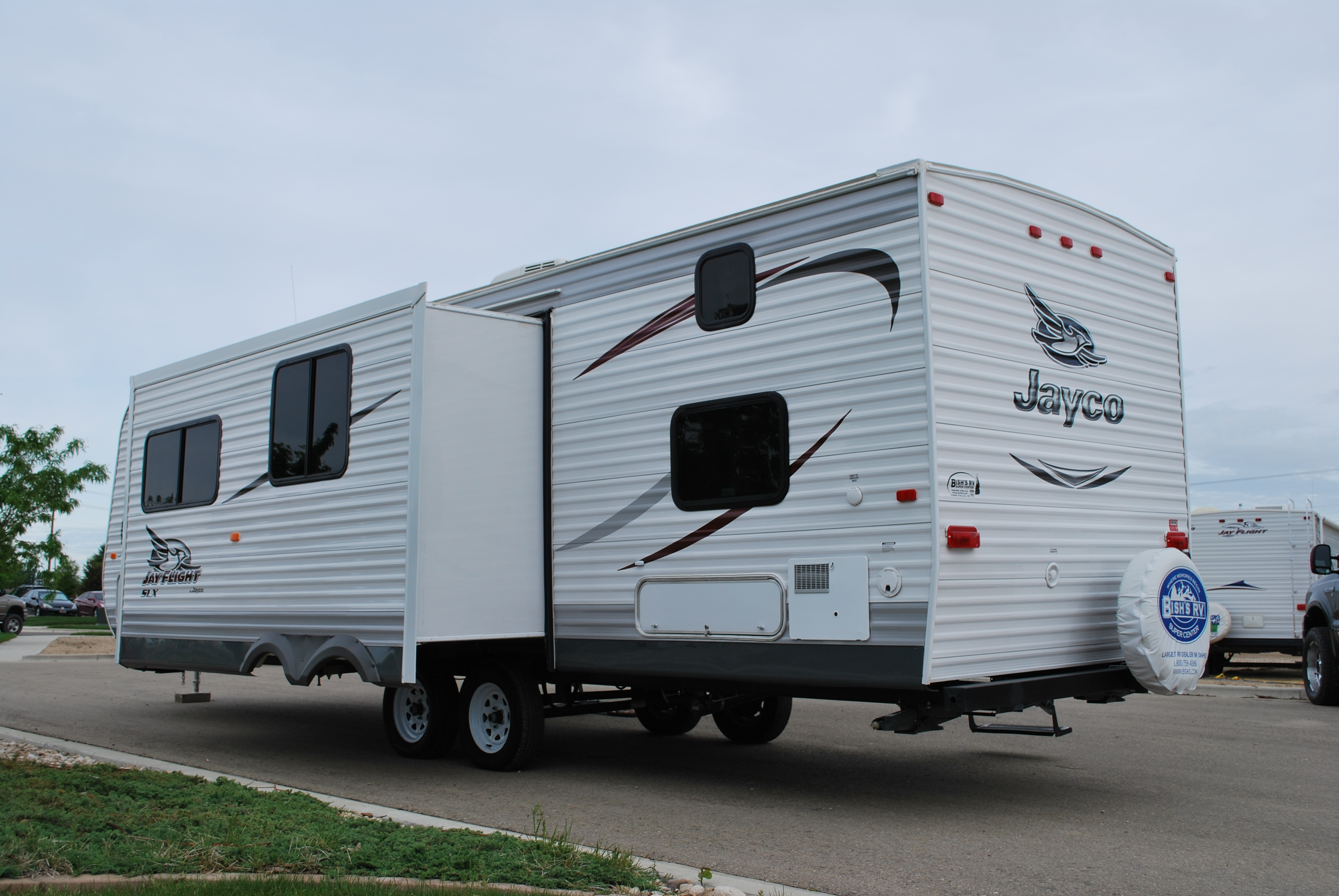 Amazing MIDDLEBURY, IN  Jayco Inc Has Upgraded Its 2005 Line Of Eagle Travel Trailers And Fifth Wheels By Focusing On Eye Appeal And Offering Previously Optional Features As Standard Equipment Customer Research Guided The Changes For The