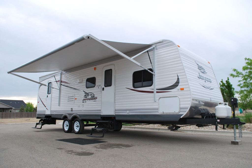 Jayco-Jayflight-287BHSW-Bunk-House-Travel-Trailer-Rental-Ext-07