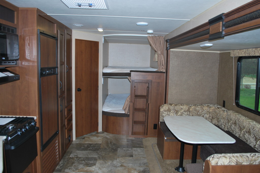 Jayco-Jayflight-287BHSW-Bunk-House-Travel-Trailer-Rental-Int-02