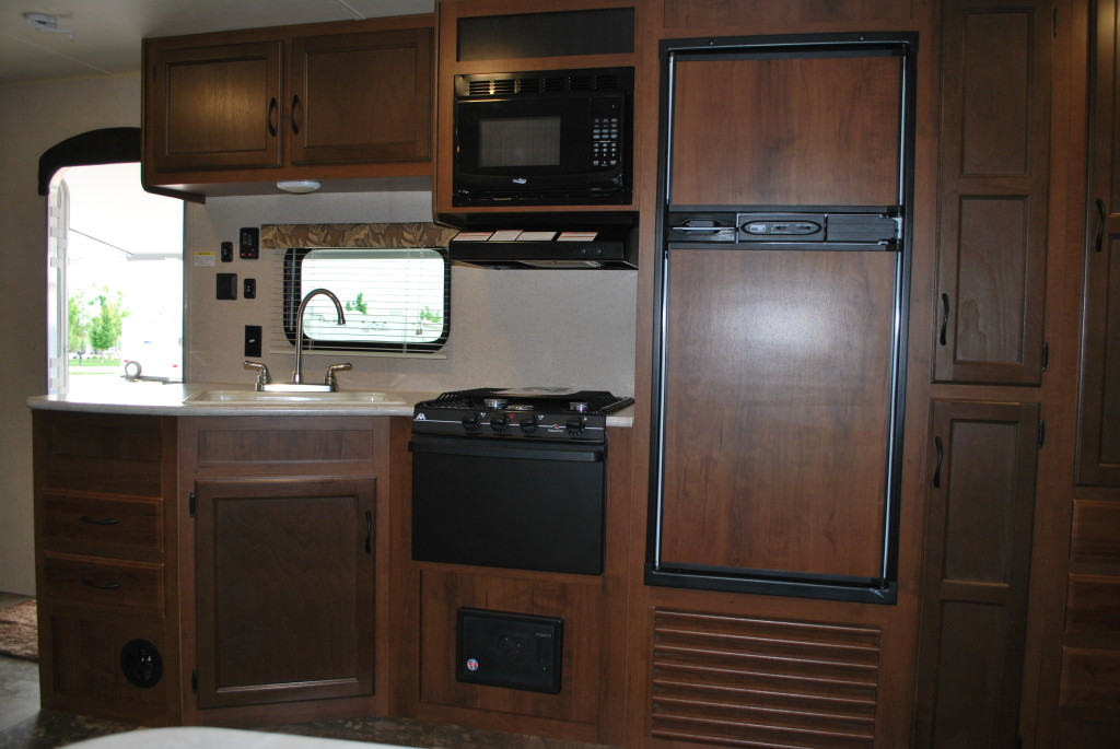 Jayco-Jayflight-287BHSW-Bunk-House-Travel-Trailer-Rental-Int-04