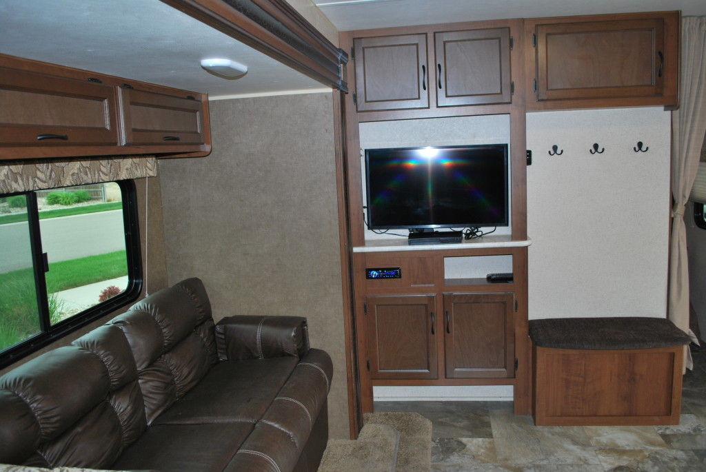 Jayco-Jayflight-287BHSW-Bunk-House-Travel-Trailer-Rental-Int-10