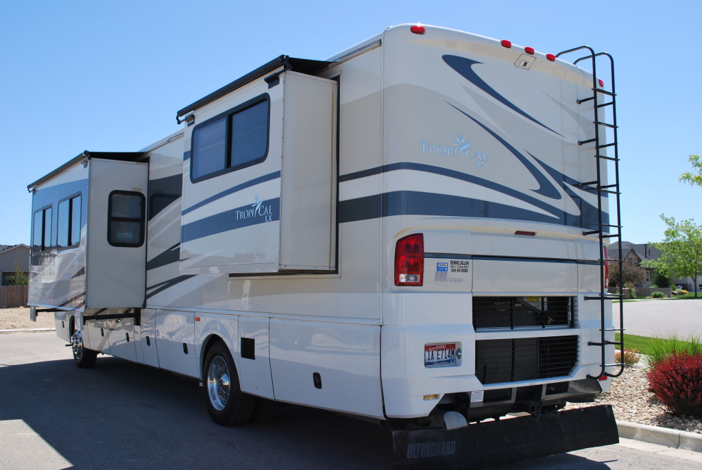 National-Tropi-Cal-Class-A-RV-Rental-Ext-03