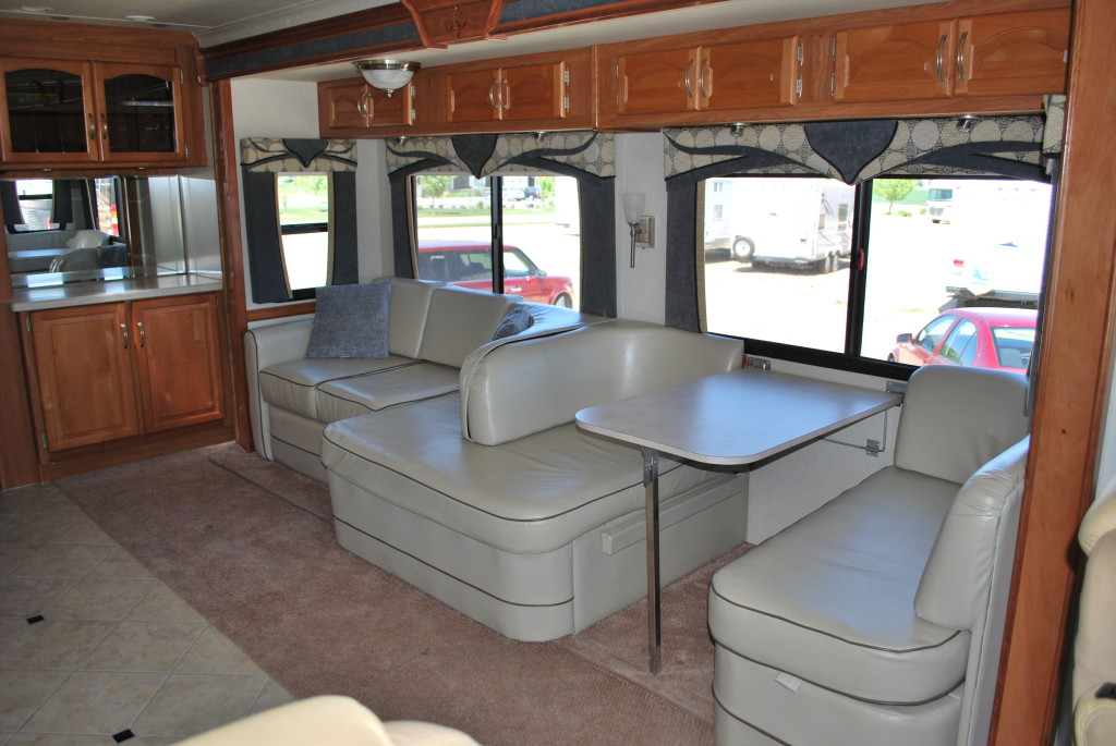 National-Tropi-Cal-Class-A-RV-Rental-Int-04