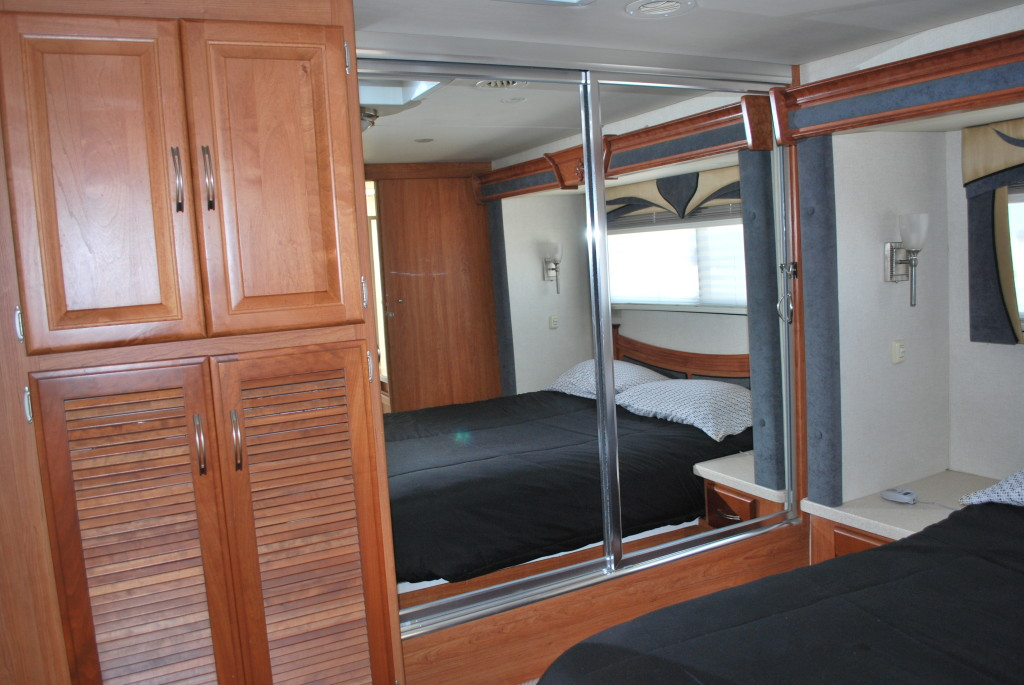 National-Tropi-Cal-Class-A-RV-Rental-Int-14
