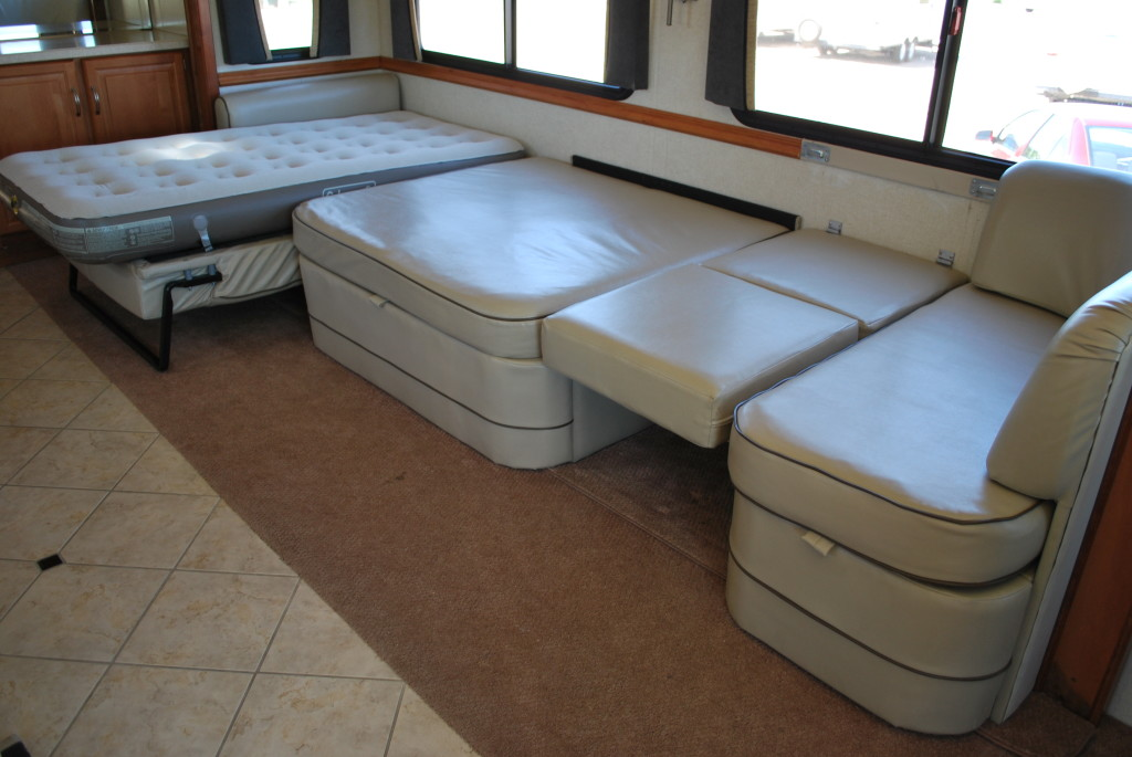 National-Tropi-Cal-Class-A-RV-Rental-Int-20