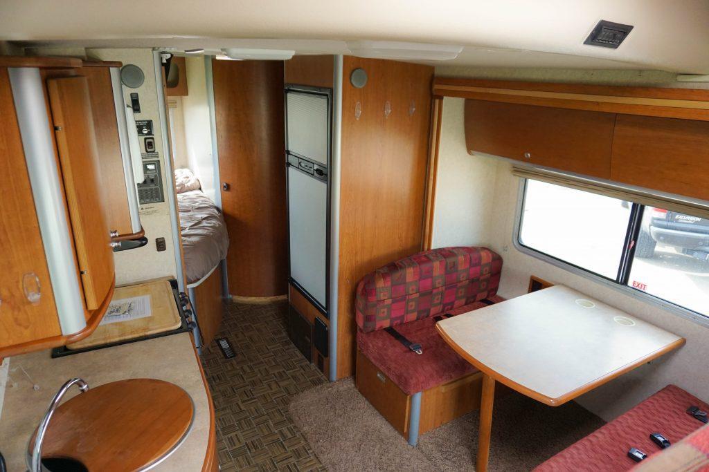 24-Winnebago-View-Class-B-RV-Rental-9