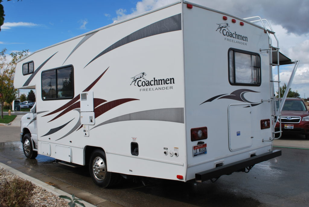 21-coachman-freelander-rv-rental-boise-ext-03
