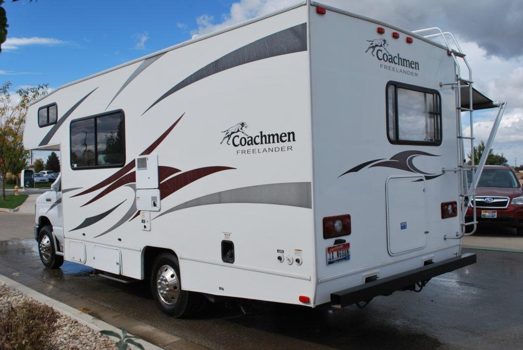 21-coachman-freelander-rv-rental-boise-ext-03