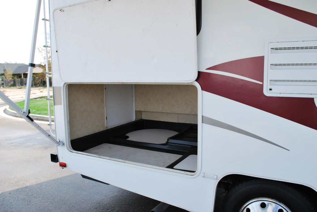 21-coachman-freelander-rv-rental-boise-ext-05