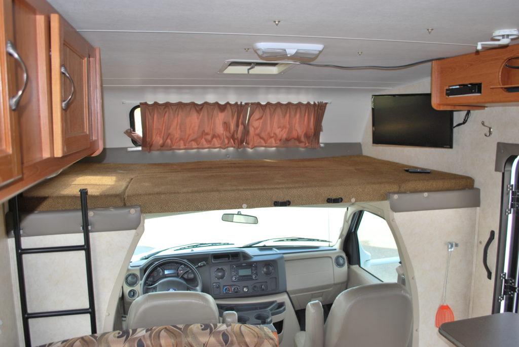 21-coachman-freelander-rv-rental-boise-int-011