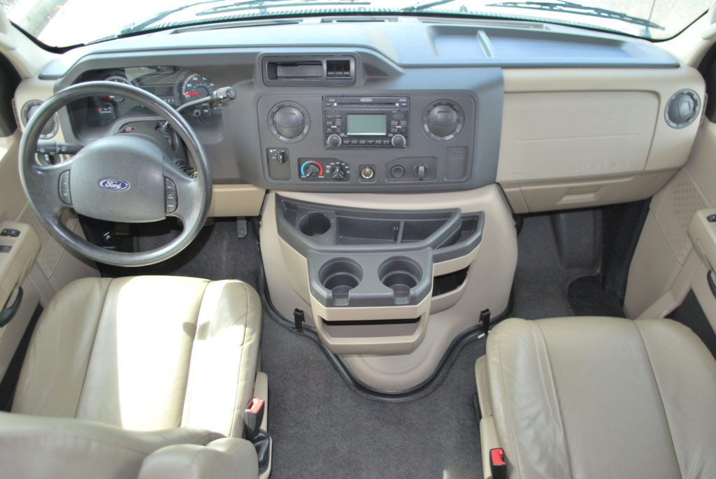 21-coachman-freelander-rv-rental-boise-int-012