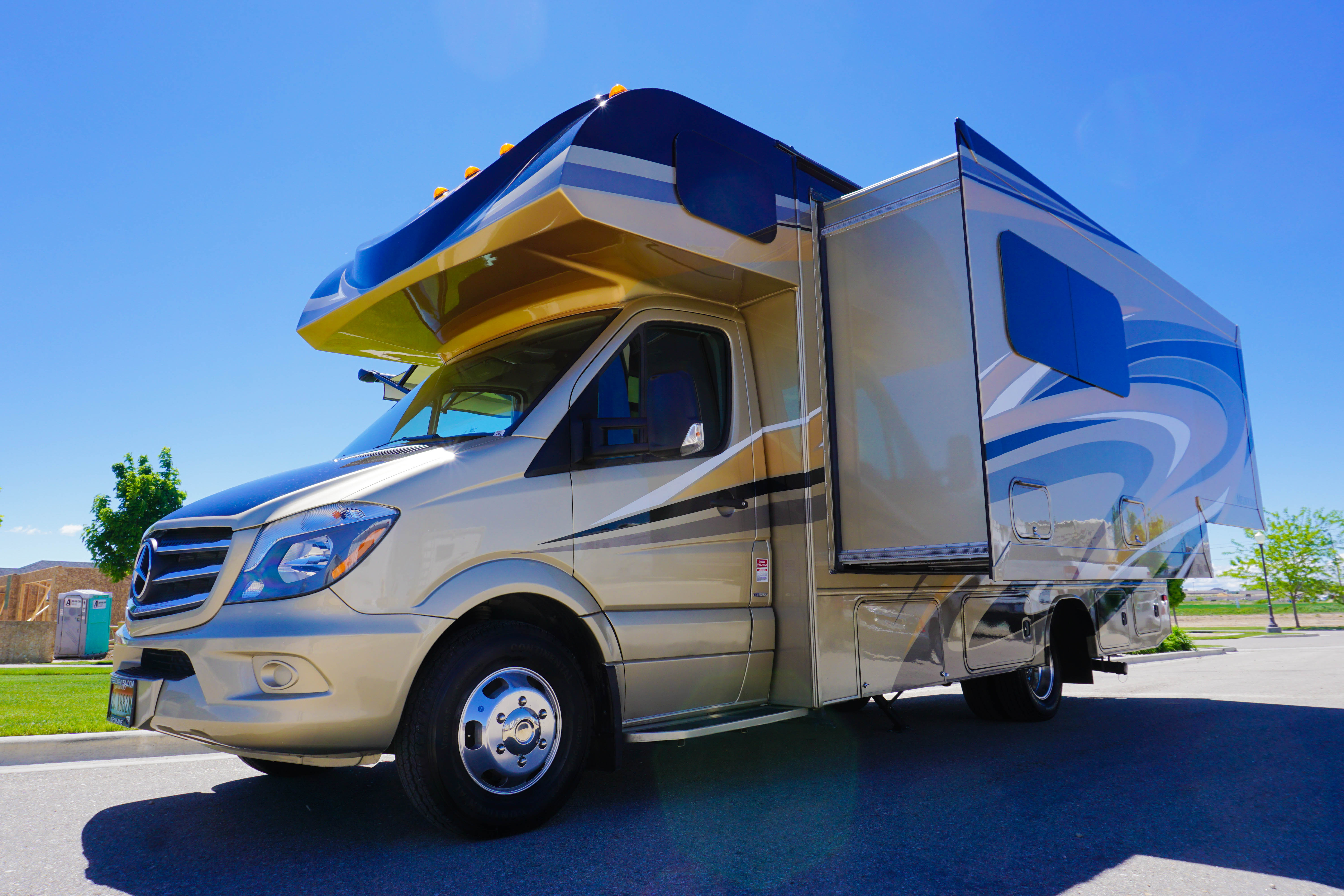 24 39 jayco melbourne luxury class b rv rental diesel for Class b motor homes