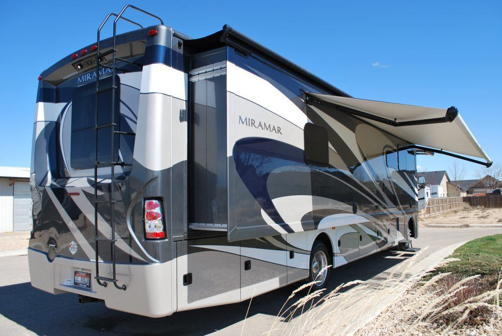 35-Thor-Miramar-Luxury-Class-A-RV-Rental-Ext-02