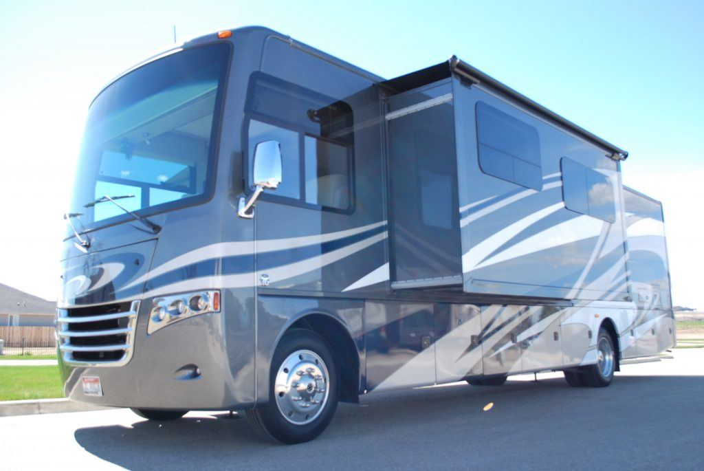 35-Thor-Miramar-Luxury-Class-A-RV-Rental-Ext-04
