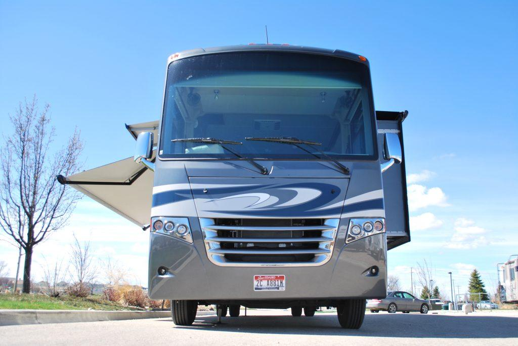 35-Thor-Miramar-Luxury-Class-A-RV-Rental-Ext-05
