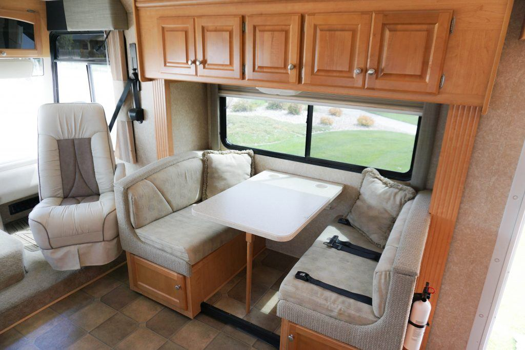 34-Windsport-Toy-Hauler-Class-A-RV-Rental-Int-08