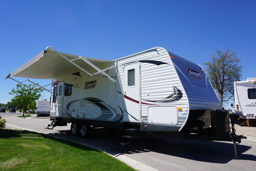 27-Coleman-Expedition-Travel-Trailer-Rental-1