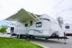 32-Jayco-Jayflight-Travel-Trailer-Rental-1