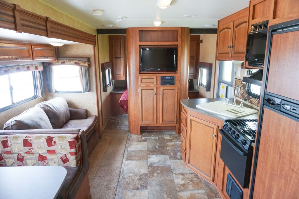 32-Jayco-Jayflight-Travel-Trailer-Rental-16