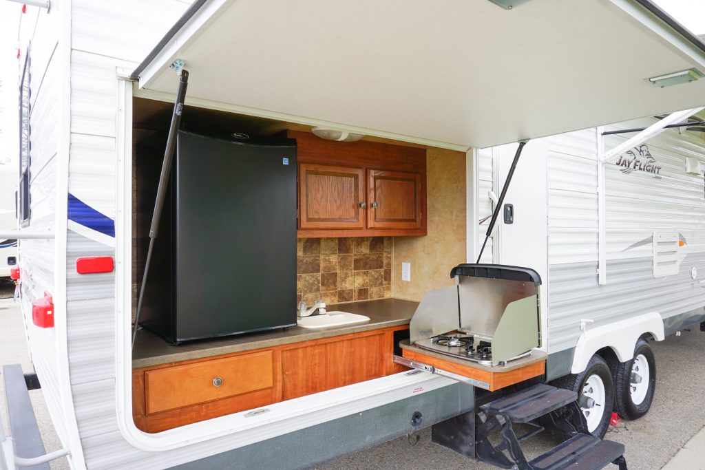 32-Jayco-Jayflight-Travel-Trailer-Rental-2