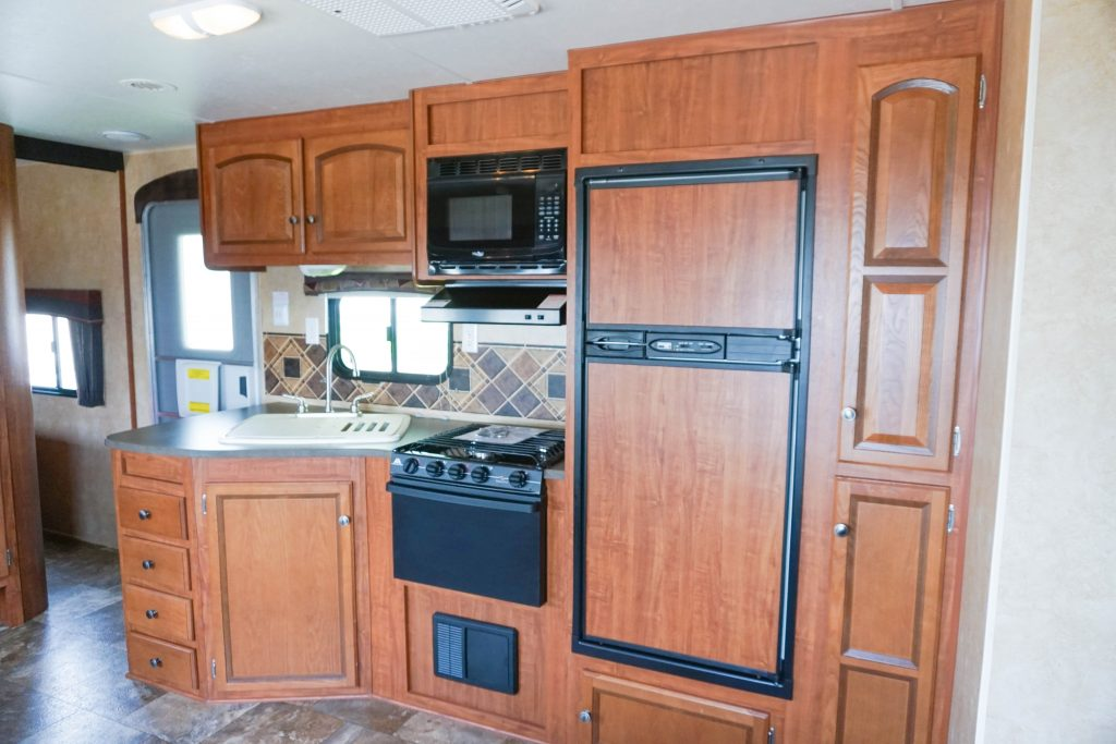 32-Jayco-Jayflight-Travel-Trailer-Rental-9