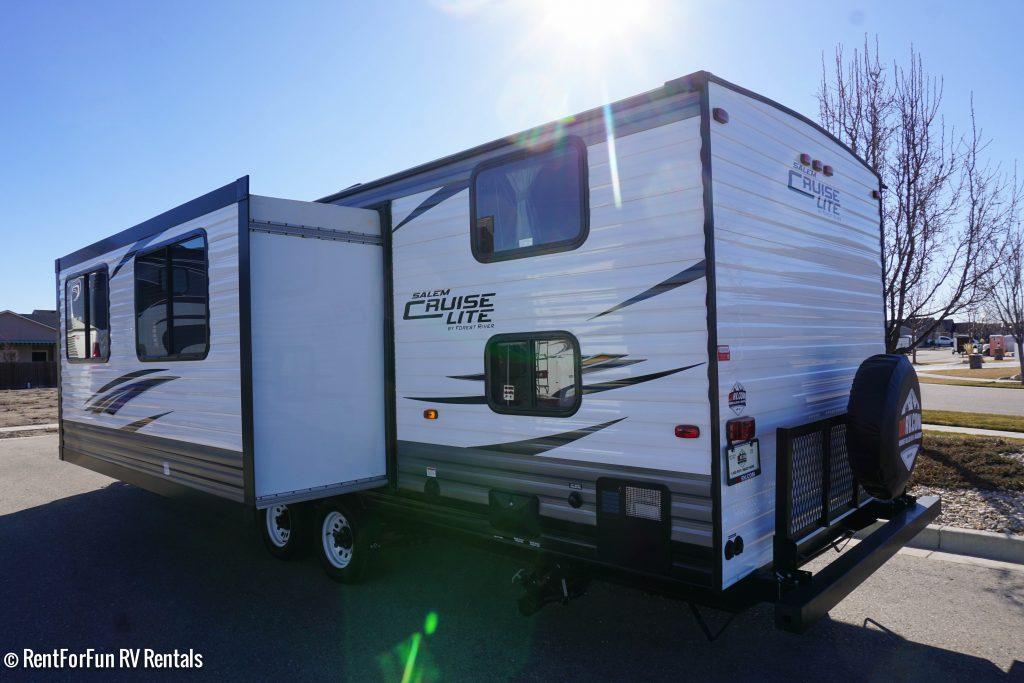 26-Forest-River-Cruise-Lite-BH-Travel-Trailer-Rental-3