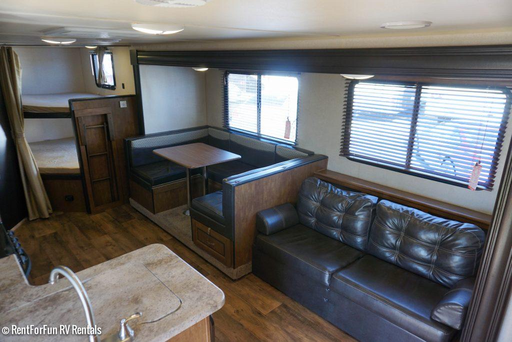 26-Forest-River-Cruise-Lite-BH-Travel-Trailer-Rental-7